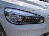 純正LEDヘッドライトを装備!!BMW独特のリングもついてます!