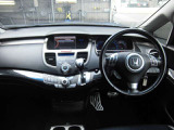 『全てのお客様に安心を』 自社整備工場にて厳しいチェックを通過した車両には点検記録簿と保証書を発行し、6か月または6000Kmの整備保証を付けさせていただきます。(一部車両を除く)