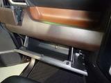 助手席側収納スペース(*^▽^*)