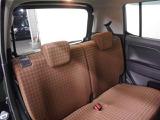 後席は分割可倒式シートになっているので、乗車人数や荷物のサイズに合わせてシートアレンジができます!
