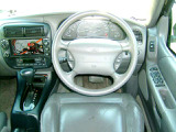 フォード エクスプローラー エディバウアー 4WD