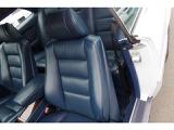 助手席シート背もたれ綺麗です。パワーシートです。助手席ドア内張りウッドパネル綺麗です。シートメモリー機能有り。