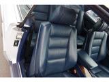 運転席シート背もたれ多少の擦れは御座いますが、綺麗です。パワーシートです。運転席ドア内張りウッドパネル綺麗です。シートメモリー機能有り。