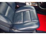 運転席シート座面綺麗です。パワーシートです。運転席ドア内張りウッドパネル綺麗です。シートメモリー機能有り。