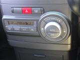 オートエアコンが付いています。温度設定をして車内も快適にお過ごしいただけます!