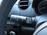 レインセンサーワイパー。雨など感知して自動で動きますので手を離さず安全運転できます◎