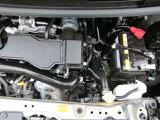 エンジンルームが綺麗ですと、不具合等の発見もし易く、コンディションのチェックや維持の面でとってもプラスです。