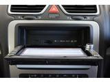 """【点検整備】納車前に""""Das Welt Auto""""独自の点検チェック項目シート」により、部品や機能に関する全71項目もの厳しいチェックを実施します。"""