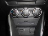 運転中、色々操作するのは煩わしいですよね?でも大丈夫♪温度さえ設定していれば自動で風量調節をしてくれるオートエアコンです☆勿論マニュアル風量調節も可能です☆