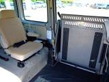 介護施設等の業務使用はもちろん、車いすを使われるご家族がいらっしゃる方にも。車いすを載せないときは広大なスペースで自転車や草刈り機等 荷物もたくさん積むことが出来ます。