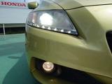 【HID】ディスチャージヘッドライト装備車です。夜間や雨の日等でも前方を明るく照らし安全走行できます!