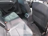 後部座席も十分なスペースを確保。快適です。