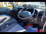 AC PS PW SRS ABS 左ドアミラー電動角度調整 キーレス Rヒーター 純正ポータブルナビ 社外オーディオCD 荷台仕切シート付 荷室床ビニールシート付
