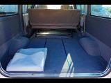 2/5人乗り 4ドア 荷台仕切シート付 荷室床ビニールシート付 荷室床ビニールシート付
