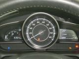 視認性の良いメーター 右端はインフォメーションを表示する機能があり、運転者に色々な情報を提供します。