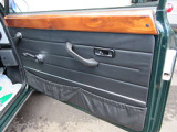 ドア内張り、ウッドパネルは少しクリアの劣化がありますが、大きな剥がれはありません!