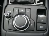 ◆ナビの操作はシンプルで使いやすく、機能を覚えやすいボタン配置で手元を見ることなく操れるようになっています◆