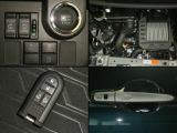両側電動スライドドアは、キーレスリモコンや運転席スイッチで操作可能。エンジン始動もスタートボタンでスムーズに。