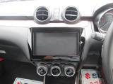 オーディオレス車です。各種ナビ、オーディオのオプションを取り揃えておりますので、ご相談下さい。