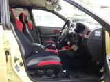 STI専用セミバケットシート装備。サーキット走行も可能な専用シート。ご希望に応じてフルバケットシートのお取り付けも可能です。お気軽にスタッフまでお申し付け下さいませ。ご納車前には法定点検も実地致します