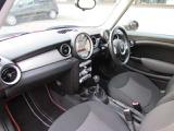 BMWのマット付き!赤いラインが映えます!PRIME CARS TEL:025-278-8821