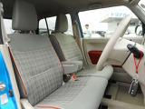 おしゃれな専用デザインシートです!座り心地もいいですよ!これならロングドライブも安心ですね!試乗でぜひお試しください!