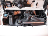 水平対向6気筒DOHCエンジン!ポルシェサウンド堪能して下さい!カレラSシリーズ3・8リッターの355馬力エンジン(カタログ値)!走りの安定感・瞬発力、これぞポルシェの走りを体感して下さい!