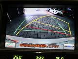 バックモニターで後方視界の確保ができるので車庫入れも安心です!夜間でも視界良好です。