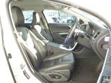 ボルボのシートは人間工学に基づき設計されています。 長距離のドライブも快適です。