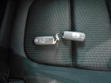 鍵を取り出さなくてもトアの開閉やエンジンスタートができる便利なアドバンストキー。