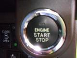 スマートキー&プッシュスタートシステム付いています!ドアのロック・アンロックやエンジンのON、OFFが楽チンです♪♪