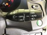 オートライト機能の付いたディスチャージヘッドライトです。