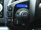 オートエアコン機能がついていますので、車内も快適な温度でお過ごし頂けます。
