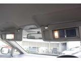 ミラー付サンバイザーが運転席、助手席ともに付いてます!お出かけ前の便利なアイテム。