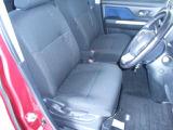 運転席はもちろん広々!シート状態も良く、運転される本人も助手席に乗られる方も快適にお過ごしいただけます
