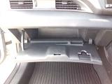 さまざまな体格の方に優れたホールド感を提供するフロントシート。