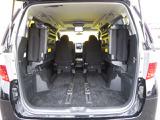 写真のように後部座席を跳ね上げれば、普段なかなか載せることのないような大きな荷物もしっかり積むことができそうですね。