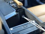 【スマホ等の充電切れの心配なし!】充電用 USB ポートがあります!ちょっとしたことですが、嬉しい装備です!意外と車選びの決め手になるかもしれません