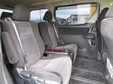 3列目への移動もラクラク♪2列目シートはゆったりキャプテンシートです。ラグジュアリー性のある空間で、運転席に座るより、2列目シートに座りたくなってしまいそうですね。