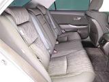 リヤシートも広々空間♪ご家族・ご友人を乗せてお出かけしてください★シート状態も劣化も少なく良好な状態ですよ!