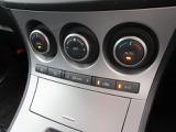 左右の温度を別々に設定できるデュアルモード付オートエアコンで室内が快適です。