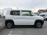 フルタイム4WD/フロア5速マニュアル