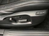 運転席10WAYパワーシートは複数のシートポジションに加えアクティブドライビングディスプレイの設定など記憶できるメモリー機能と助手席にも6WAYパワーシートを採用しています。