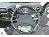 運転席エアバッグが衝突事故時にドライバーの損傷を軽減します!