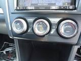 左右独立温度調節機能付フルオートエアコンが付いています。