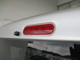 ハイマウントストップランプがあれば後続車にも分かりやすく安心です。