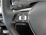 従来のクルーズコントロールシステムとは一線を画す「アダプティブクルーズコントロール(ACC)」機能を標準装備。 一定の車間を保ち前車を自動追従することができます。