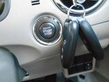 プッシュスタートシステムです! ボタンを押すだけでエンジンのON、OFFが出来ます! とっても便利ですよ!!