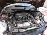 しっかりメンテナンスされたキレイなエンジン。中古車を選ぶ際にエンジンルームのチェックは大切なポイントです。ご購入後のメンテナンスもお任せ下さい。