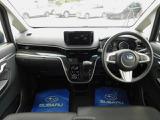 運転席は寒い季節にシートを温めてくれるシートヒーター装備!